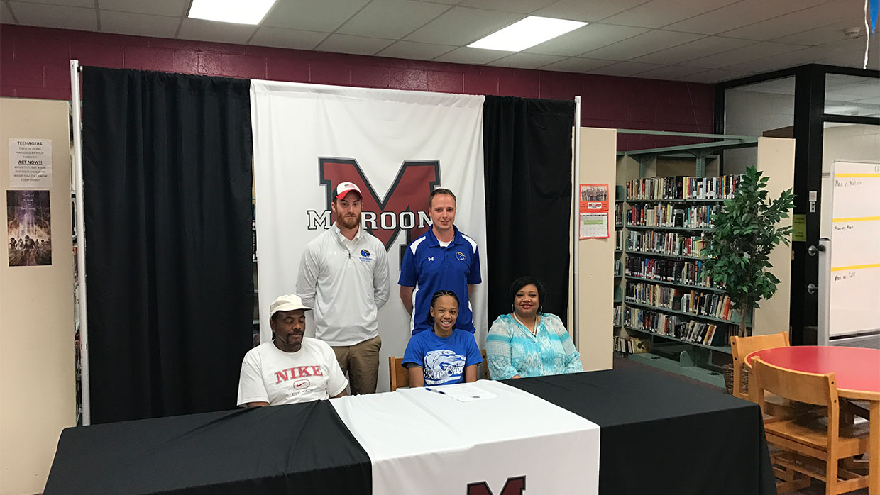 Photo for De'Ontae Washington Signs with Brescia for Cross Country & Track/Field