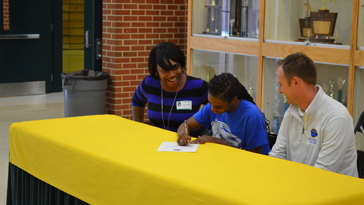 Photo for Jaisha Shelton Signs with Brescia for Track & Field