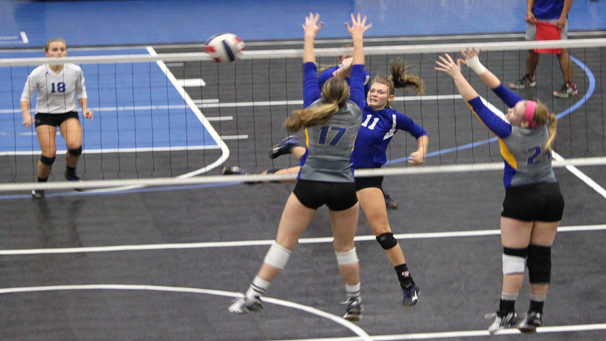 Photo for Brescia holds on to beat Midway
