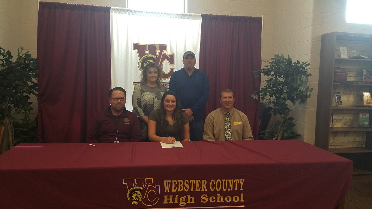 Photo for Womens Soccer Signs Michala Knight