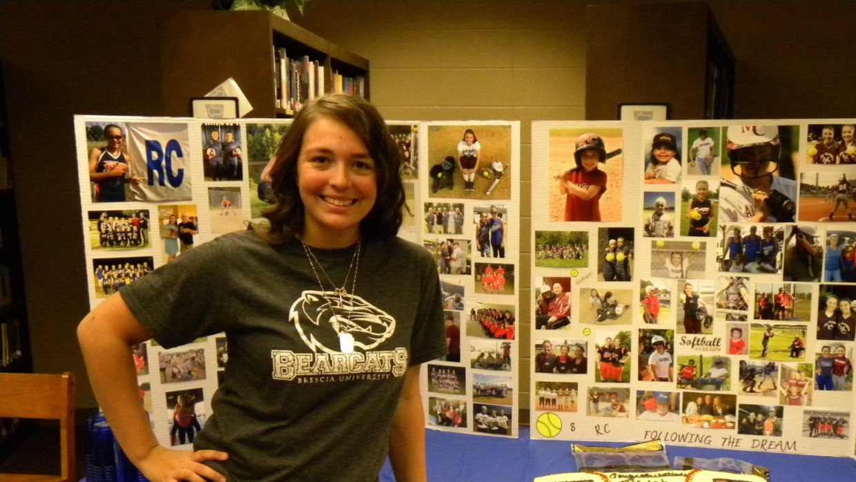 Photo for Lady Bearcats sign top recruit